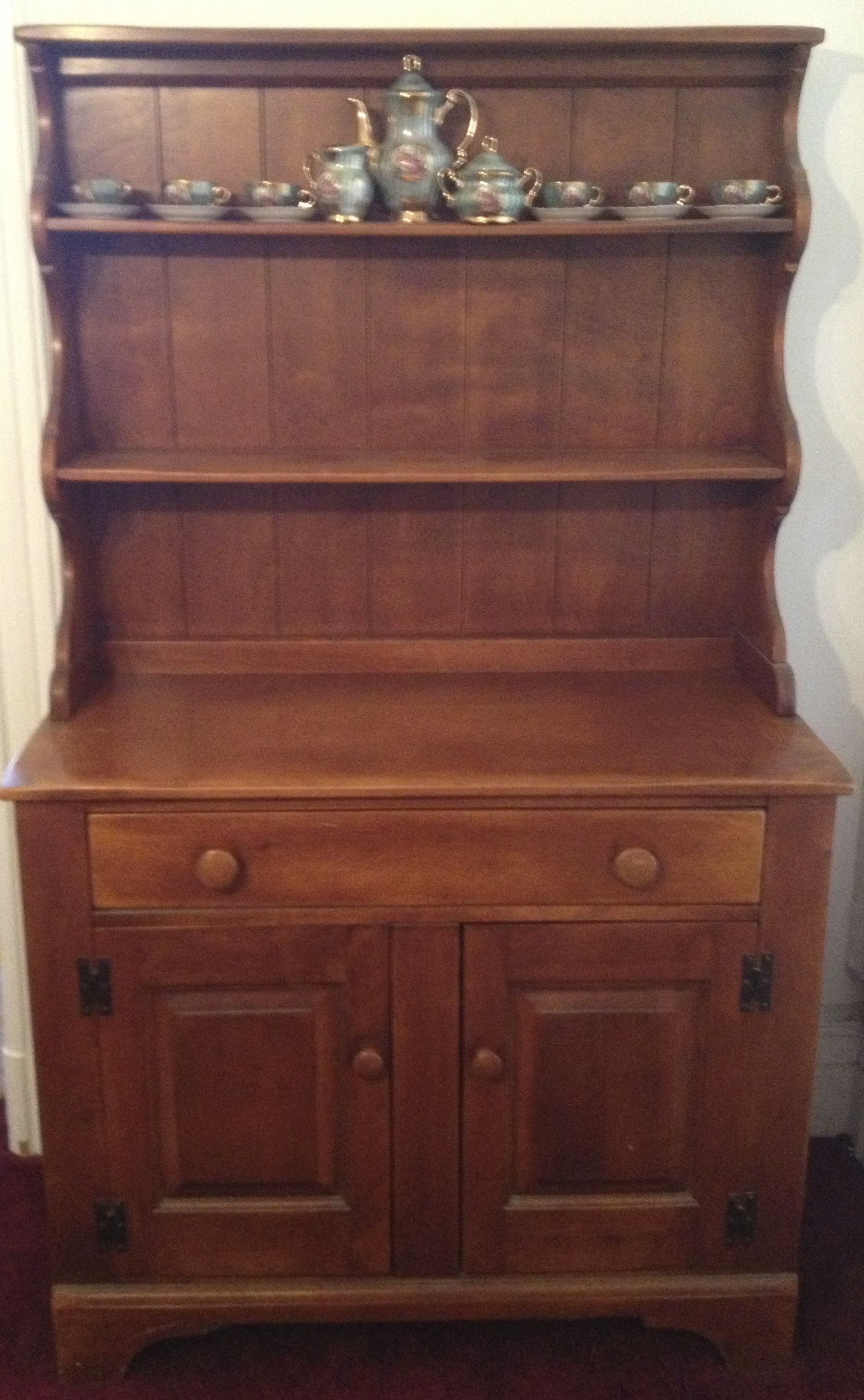 Cushman Colonial Creations Hutch I Have This Piece Bought In 1965 From An Antique Dealer Shreveport La Who Told Us That It Was Built 1900