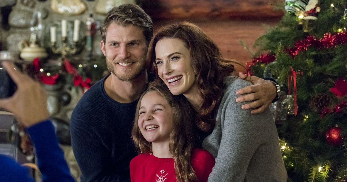 'Christmas Getaway' Will Make A Hopeless Romantic Out Of