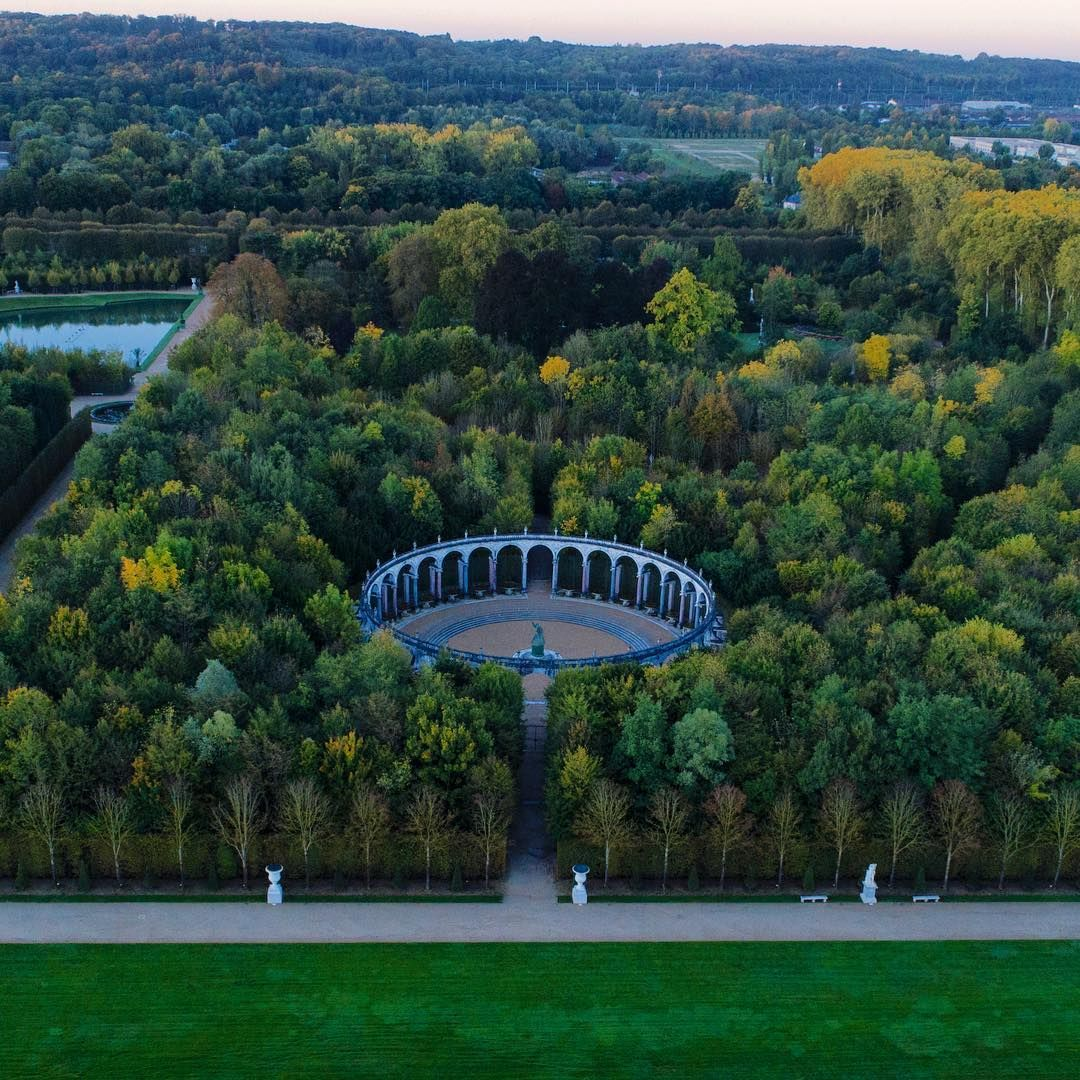Le bosquet de la Colonnade vu du ciel // Colonnade Grove seen from ...