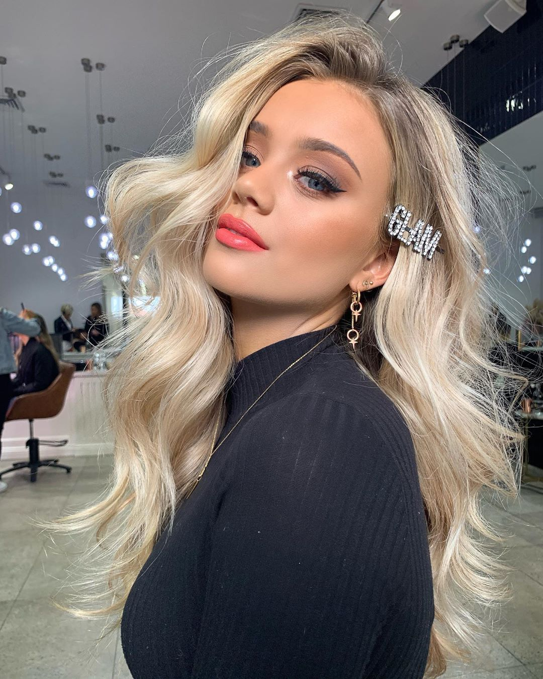 Who loves a little GLAM ❓Guys I'm obsessed with @justinemarjan hair accessories sorry for all the spam if you don't own them get them… #hairaccessories
