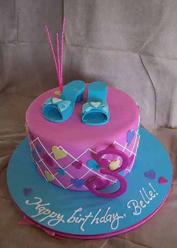 Belle's shoe cake by RebeccaSutterby, via Flickr