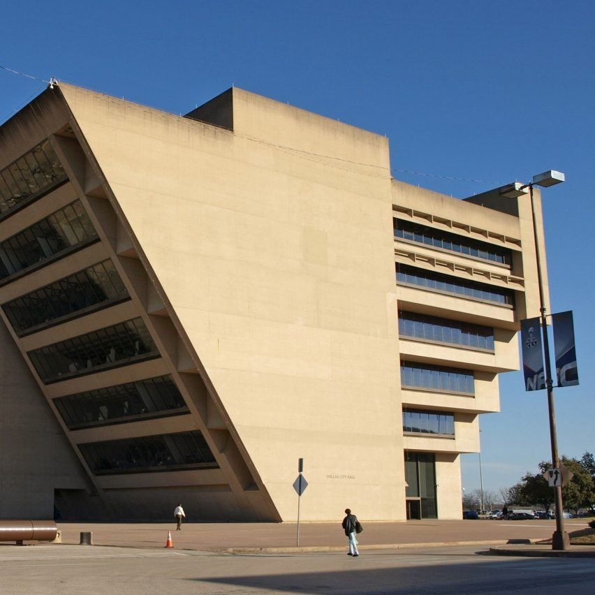 Im Pei At 100 Dallas City Hall By I M Pei Triangle Building Building Architect