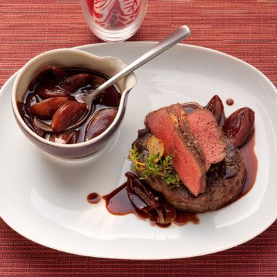 Photo of Shallot balsamic sauce with roasted fillet of beef