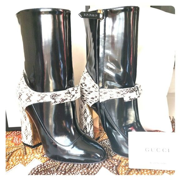 52fdd407984 These one of a kind boots are sure to dazzle anyone. You will always look  like a million bucks with these on. Gucci Shoes Ankle Boots   Booties