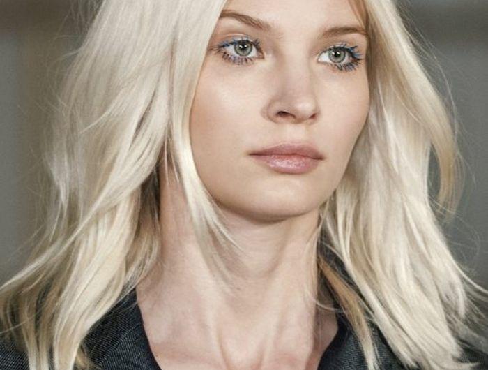 Couleur de cheveux blond froid