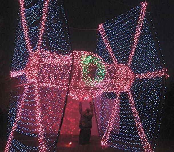Guy brings joy to the galaxy with a TIE fighter made of Christmas ...