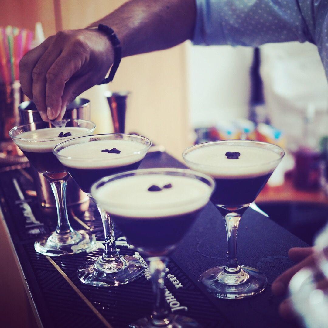 MOBILE BAR HIRE Bar hire, Mobile bar, Bartender