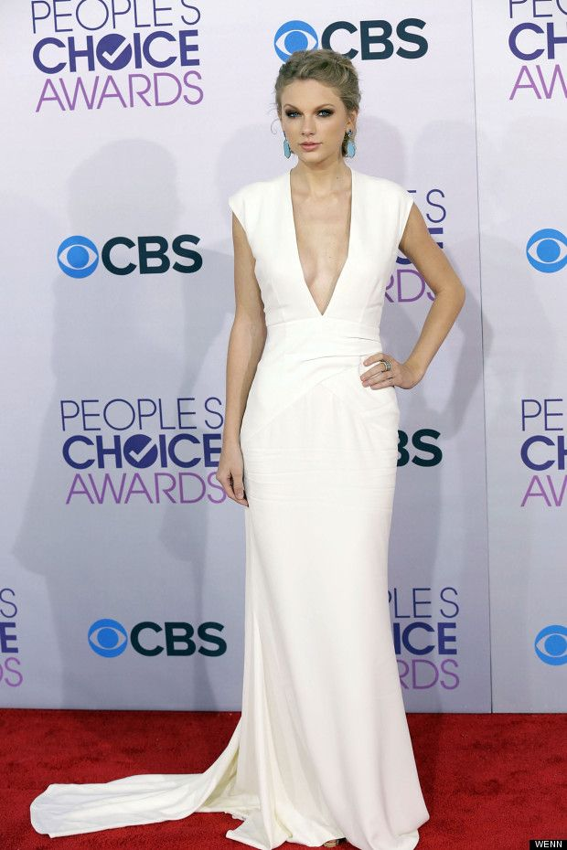 Taylor Swift in a fab white gown by Ralph Lauren after her split ...