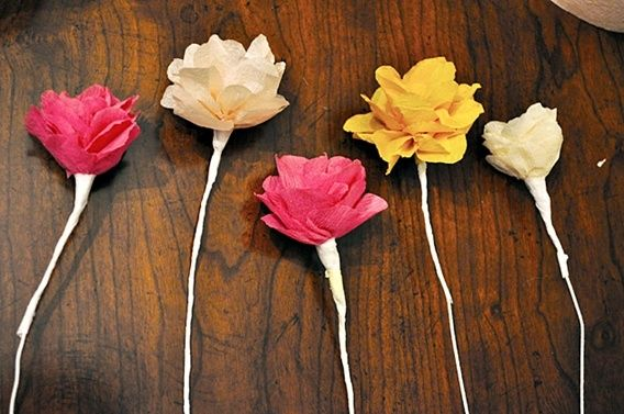 Crepe Paper Flower Tutorials Crepe Paper Flowers With Tutorial