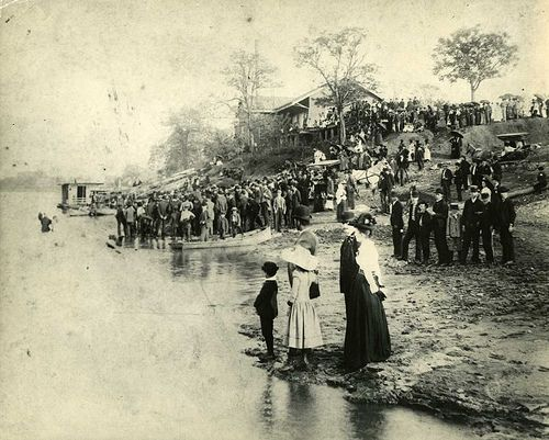 Tennessee River Baptisms-1905 by Decatur Public Library, via Flickr