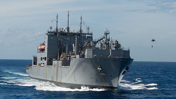Pin Op Cargo Sea Ocean