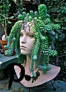 Eight DIY garden projects using mannequins Eight DIY garden projects using mannequins