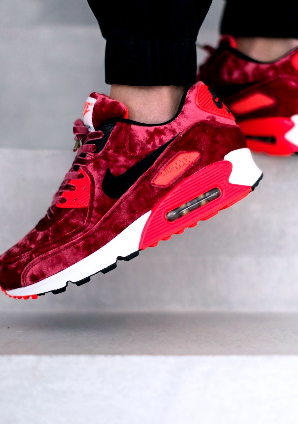 "Nike Air Max 90 Anniversary ""Red Velvet"" 