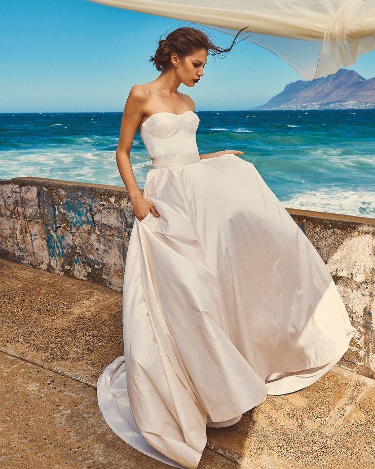 "Elbeth Gillis 2017 Wedding Dress ""Milk and Honey"" Bridal seperates collection : Chloe+Scarlet | itakeyou.co.uk #bridedress #weddingdress #weddinggown #weddingdresses #weddinggowns #stapless #bridalseperates"