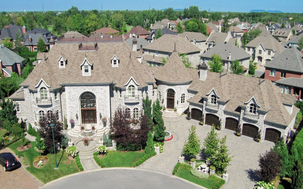 7 Million 15 000 Square Foot Mansion In Quebec Canada Mansions Dream House Exterior Indoor Outdoor Pool