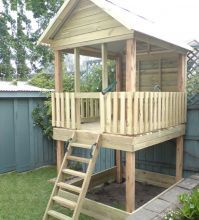 Beautiful Childu0027s Fort Tree House. Sandbox Under Tree House. Ladder. Wood