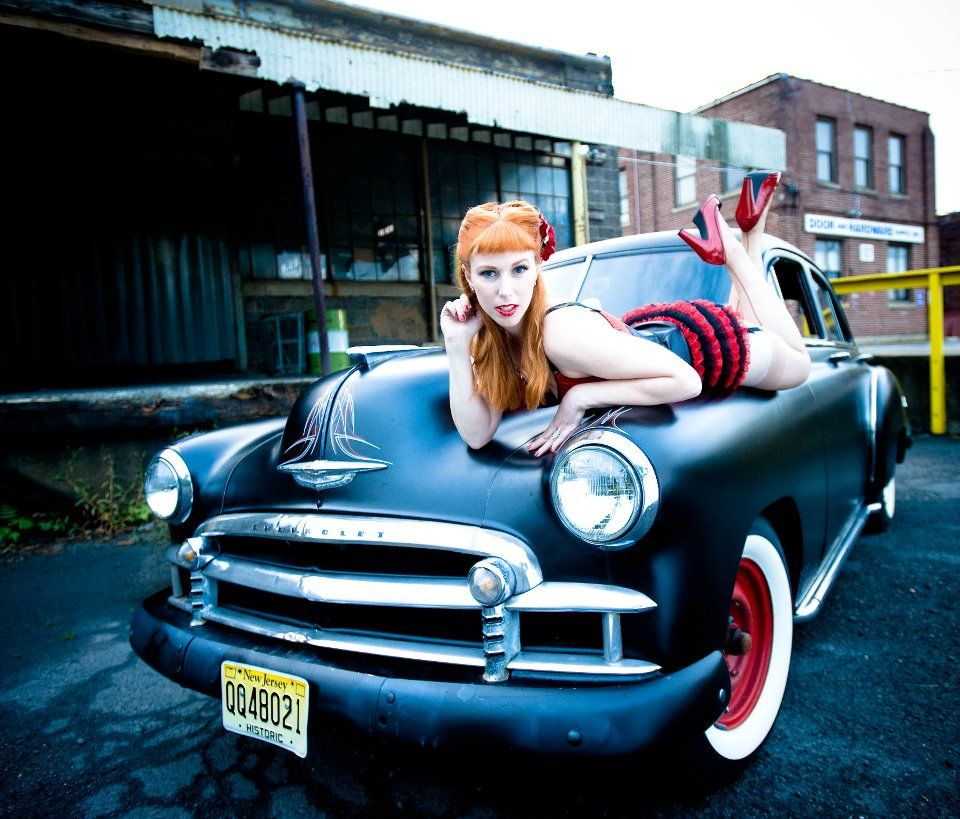 Classic Cars & Pin Up Girls Gallery