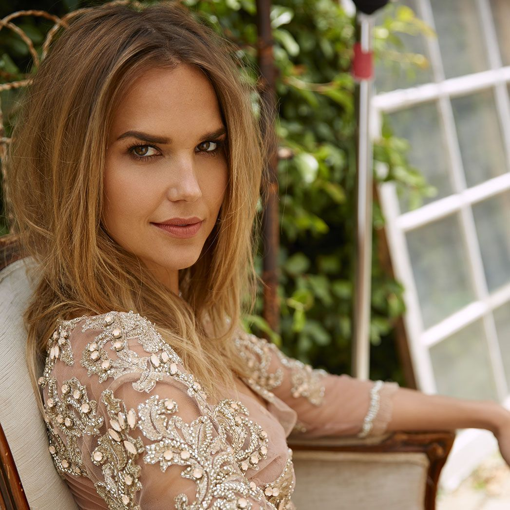 Fifty Shades Freed Adds Ballers Actress Arielle Kebbel