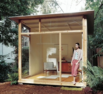 Modern backyard shed 12 cool wood projects make for Wooden studios for gardens