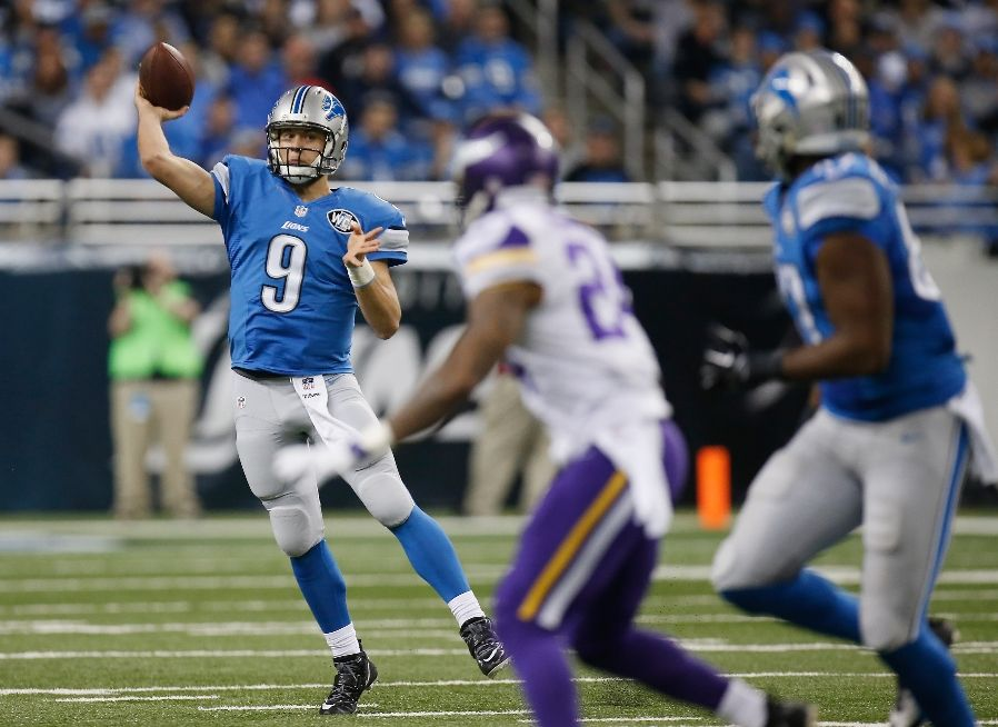 Stafford throws a pass on to run lions win 1614 Lions