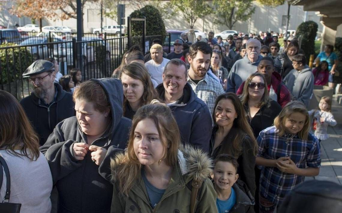 'Epic' crowds line up to adopt free pets from California