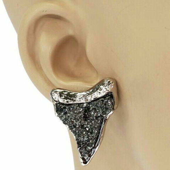 Druzy Shark tooth Earrings Cute silver shark tooth stud earrings with black stone Jewelry Earrings