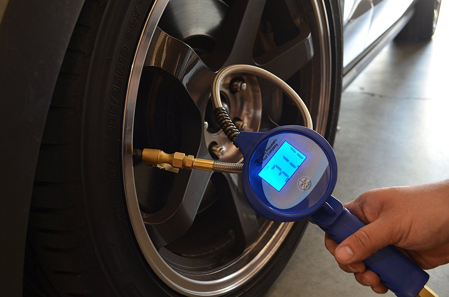This Is Both A Useful And Easy To Use Tire Inflator And A Tire Pressure Gauge You Can Now Keep An Eye On You Tire Pressure Gauge Tire Inflator Pressure Gauge