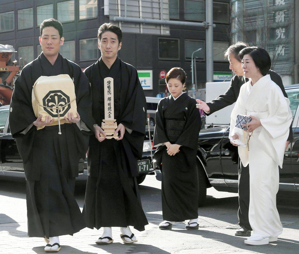 中村勘三郎さんの奥さんが着ていた白の喪服 その本当の意味をご存じですか 喪服 白 瀟洒