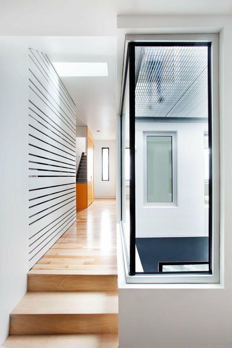 flur deko ideen leisten design weiss spalten stufen parkett fenster ...