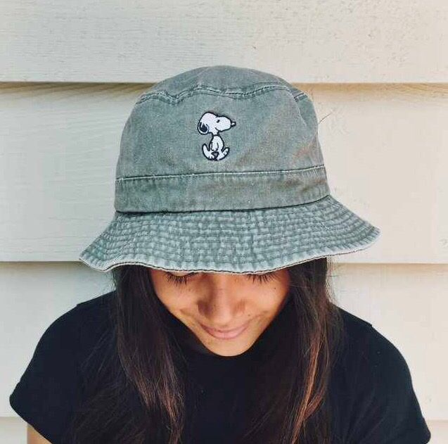 e05217a9d5d142 Snoopy Denim Bucket Hat | Lipstick and Pumps in 2019 | Outfits with ...