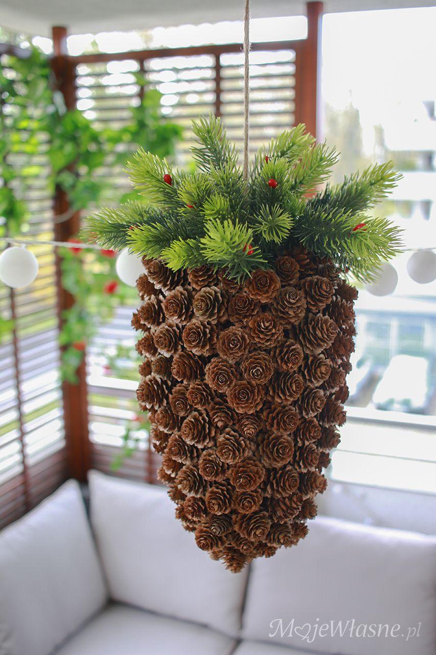 Diy Szyszka Z Szyszek Moje Wlasne Traditional Wreath Hanging Baskets Diy Christmas Decor Diy