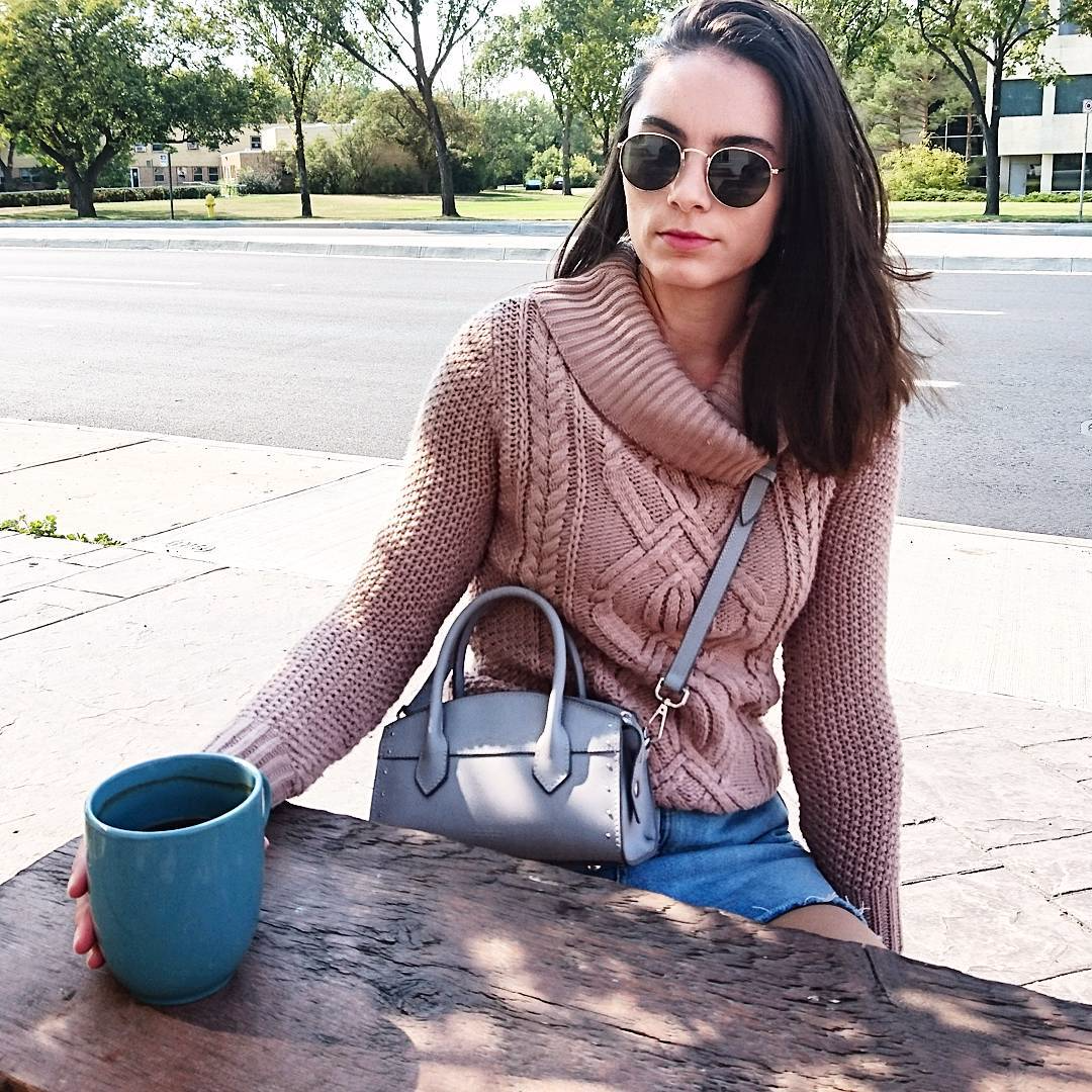 I prefer my coffee black but I'll take my sweaters in every color, thanks.💗☕️😊 #messyhairdontcare #sweaterweather #fallfashion #ootd #ootn #wiw #whatiwore #whatiworetoday #lotd #lookoftheday #ootdshare #ootdwatch #outfitpost #fashiongram #stylegram #fashionstyle #instastyle #blogger #styleblogger #style #styleblog #streetstyle #streetwear #streetfashion #fashion #instafashion #fashionblogger #fashionblog #fblogger