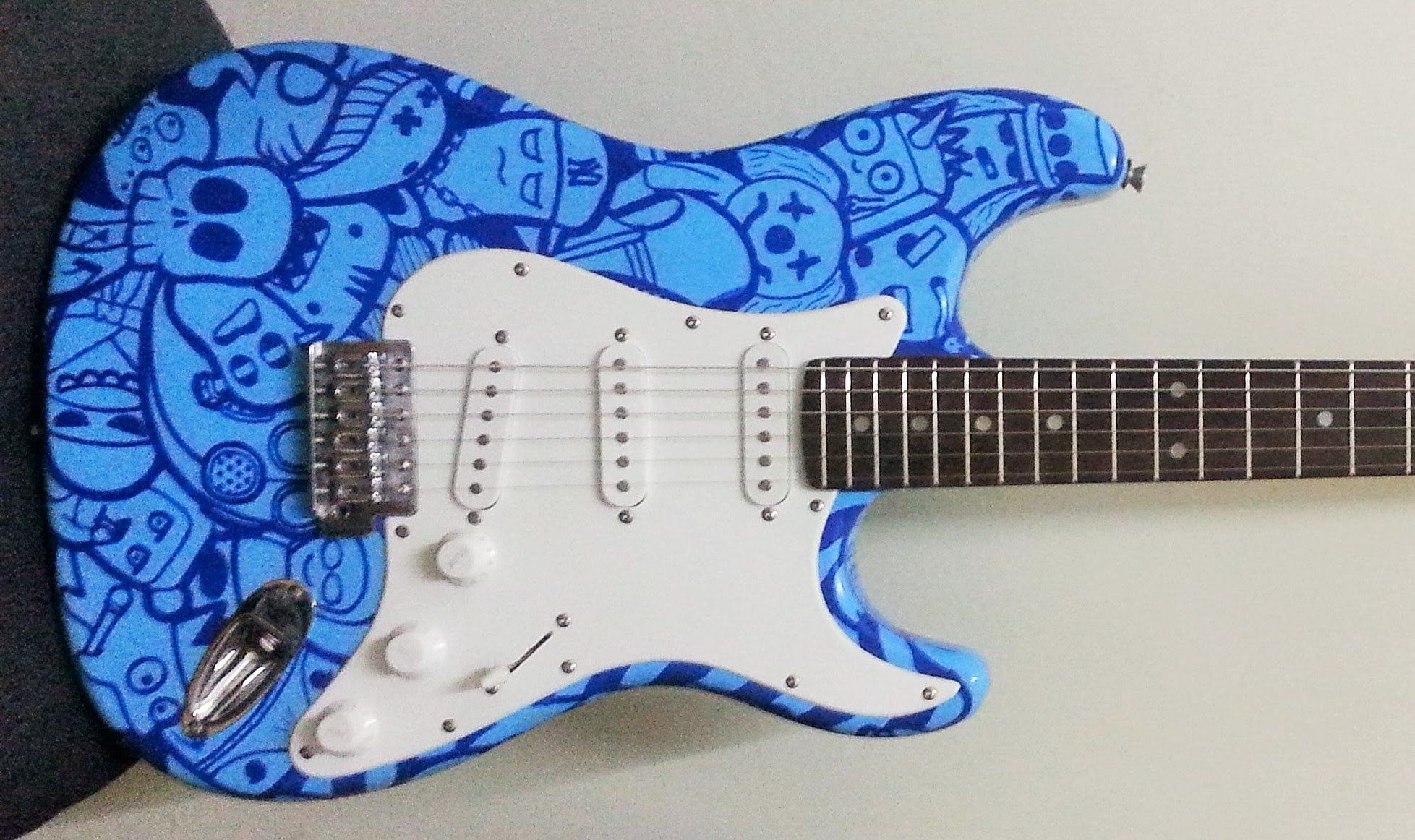 CUSTOM GUITAR paint job using posca pen with doodle art ...