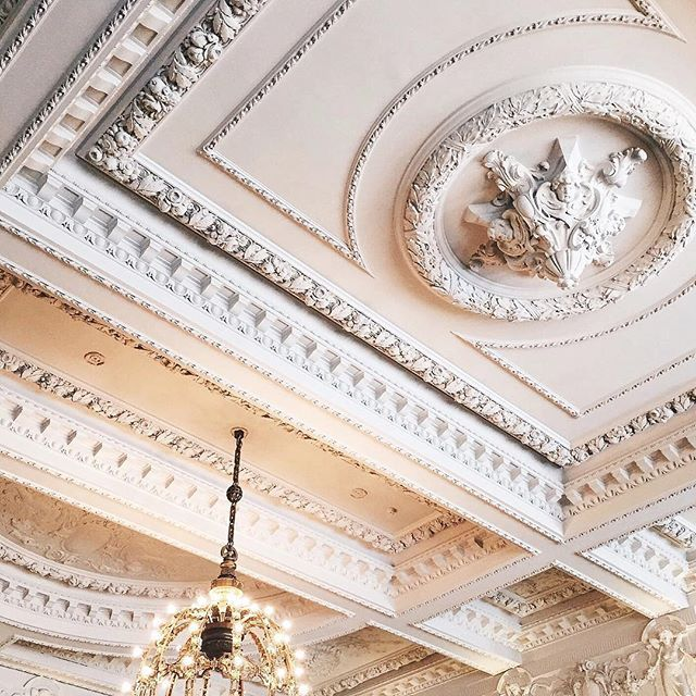 Storytelling ceilings... #lookup #bernerstavern #ceiling ...
