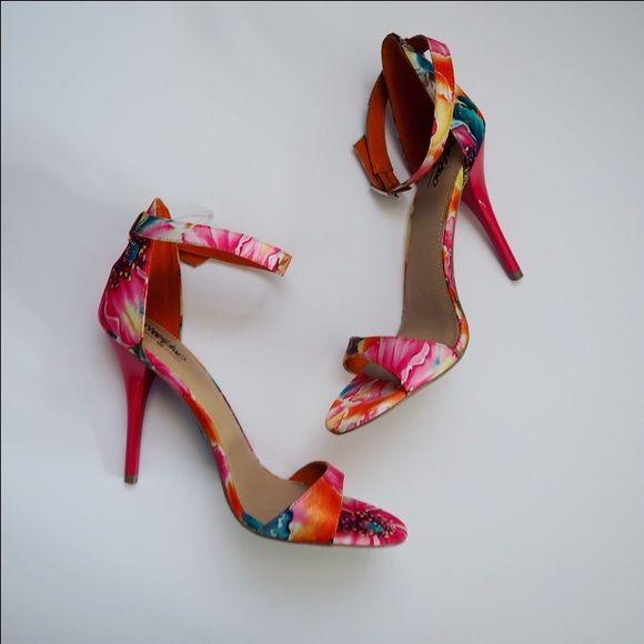 [price drop!] Bright flowery heels Bright Flowery heels, nwot. Shoes Heels
