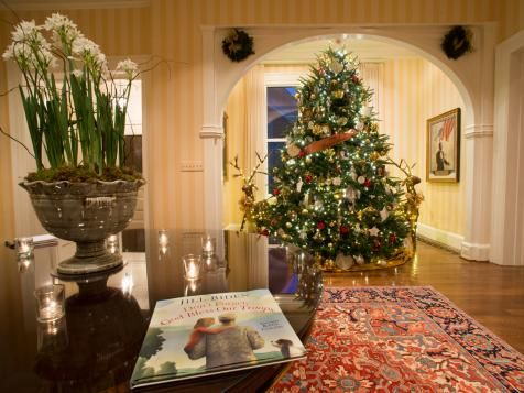 Step Inside the Vice President\u0027s Home During the Holidays