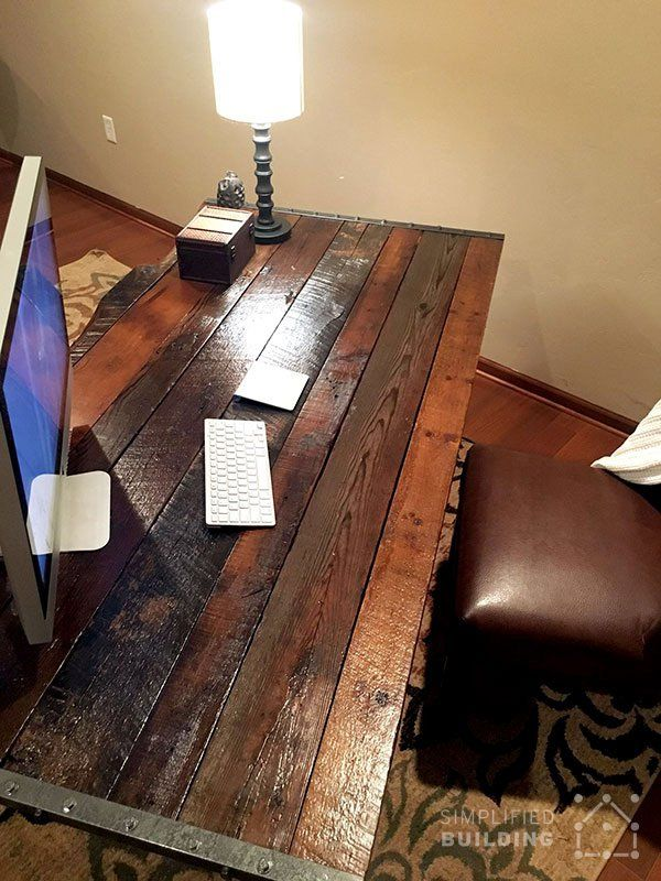 Diy rustic office desk homemade desks pinterest Diy work desk