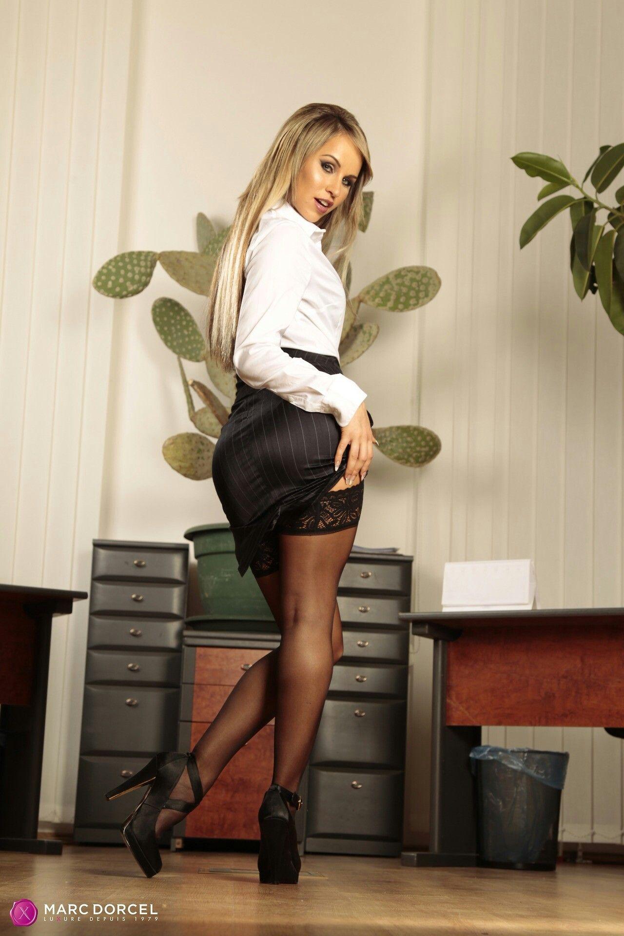 secretarias en minifalda