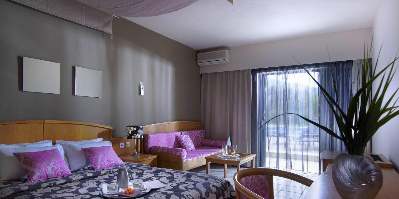 Sezon De Vara 2018 La Mare Pe Litoral In Grecia La Hotel Mythos Palace Resort De 5 Stele Din Creta Chania Home Decor Decor Palace Resorts