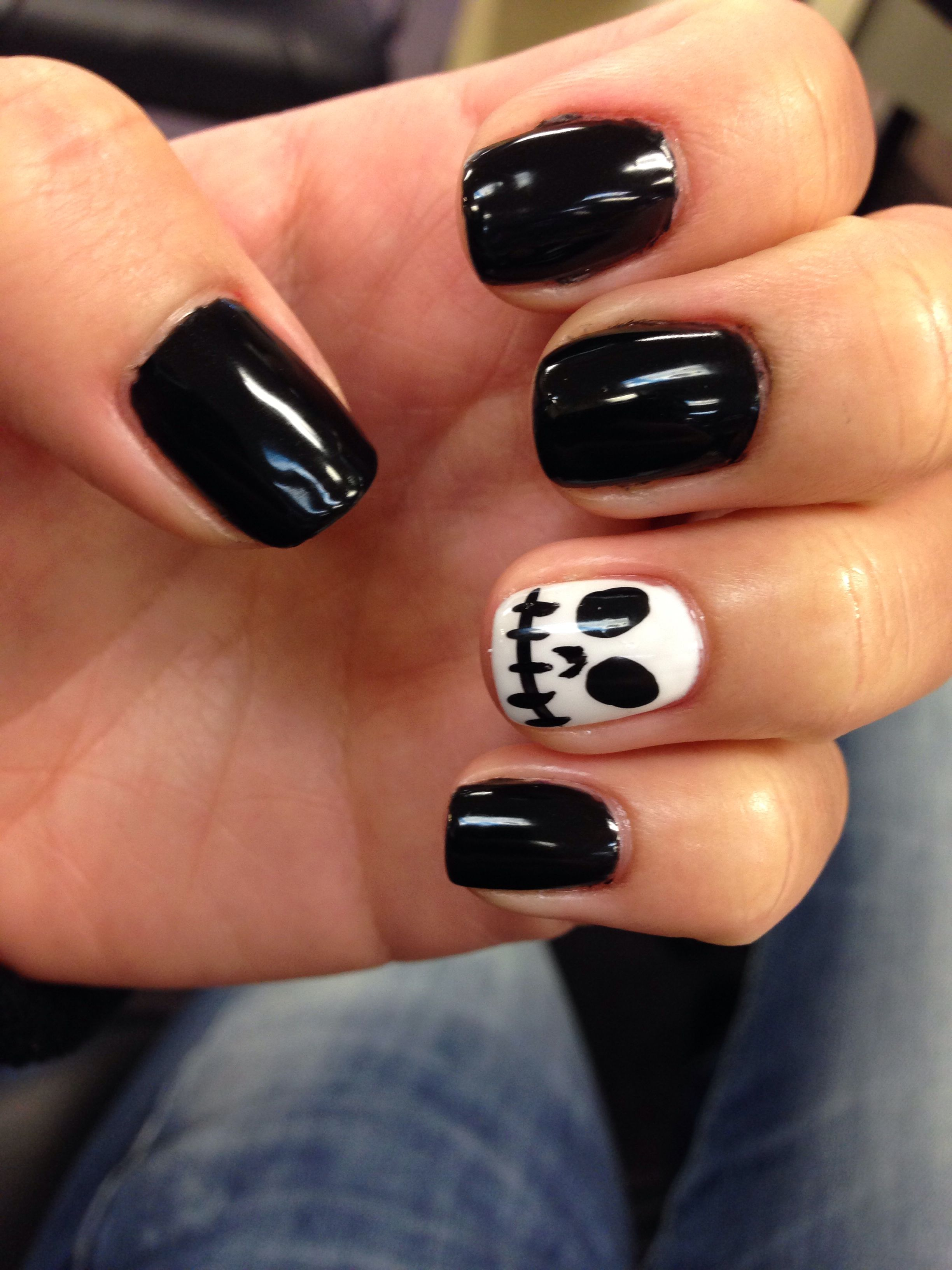 Halloween nails. Black and white. Boo👻🎃 (With images ...