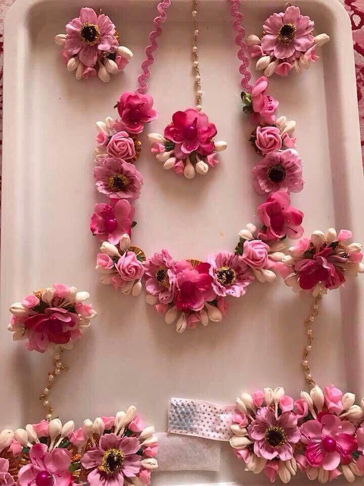 Matrimonio In Langa : I love this type of flower jewellery for haldi langa voni abiti