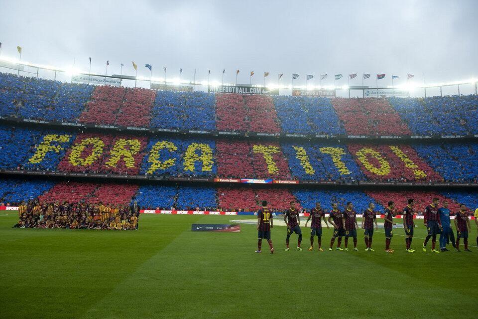 Barcelona Fans Choreography For Tito Vilanova Soccer Field Tito Vilanova Sports