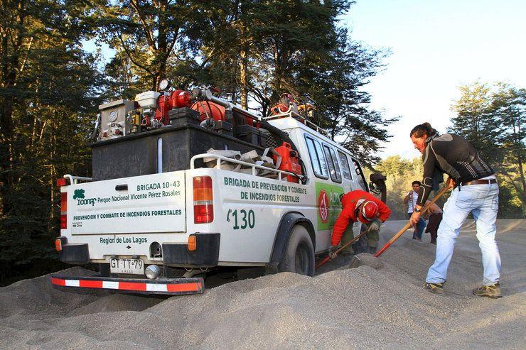 Tony popiołu wulkanicznego na ulicach w Chile Wiadomości