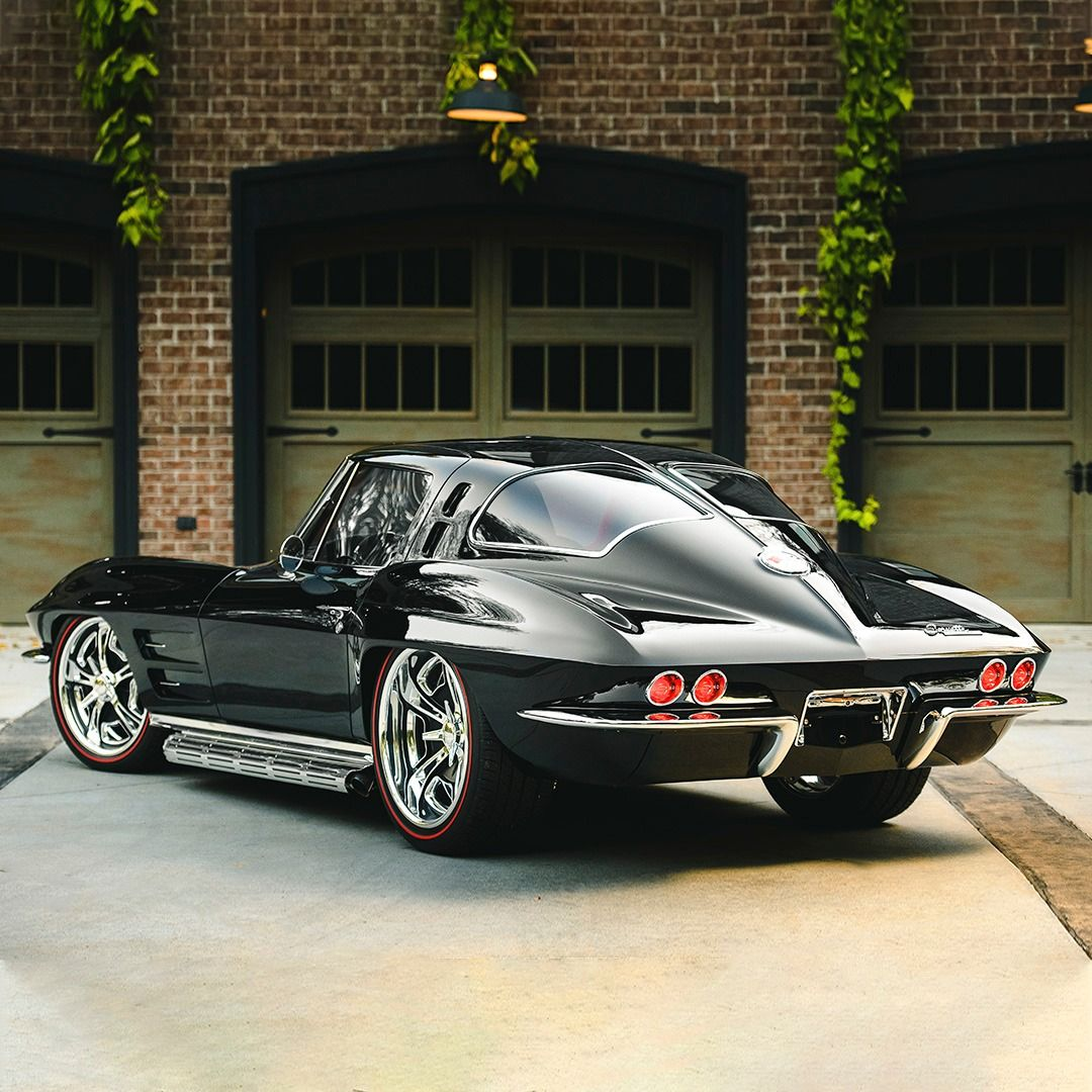 Photo of 1963 Chevrolet Corvette Split-Window Custom Coupe