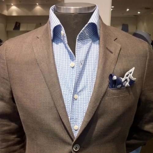 Summer sports coat with blue-toned checked shirt blue-tone pocket