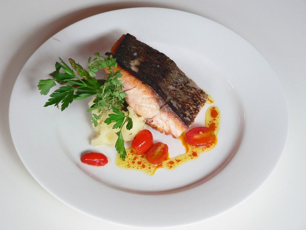 Plate presentation ideas plate some diners will for Fine dining food