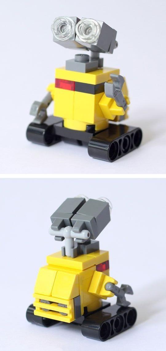 Wall E Custom Lego Build By Bricksben On Etsy Lego Mechs Pinte