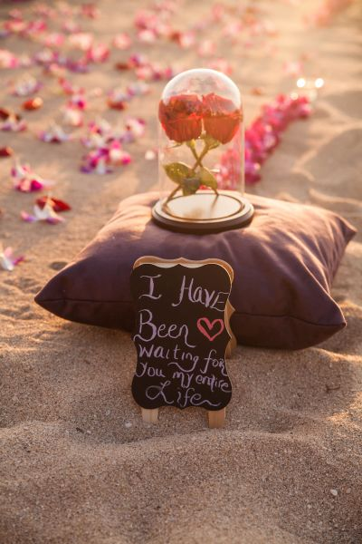 Romantic Proposal Ideas So That She Said Yes