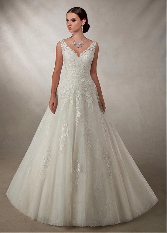 Buy discount Glamorous Tulle V-neck Neckline A-line Wedding Dress With Lace Appliques at Dressilyme.com