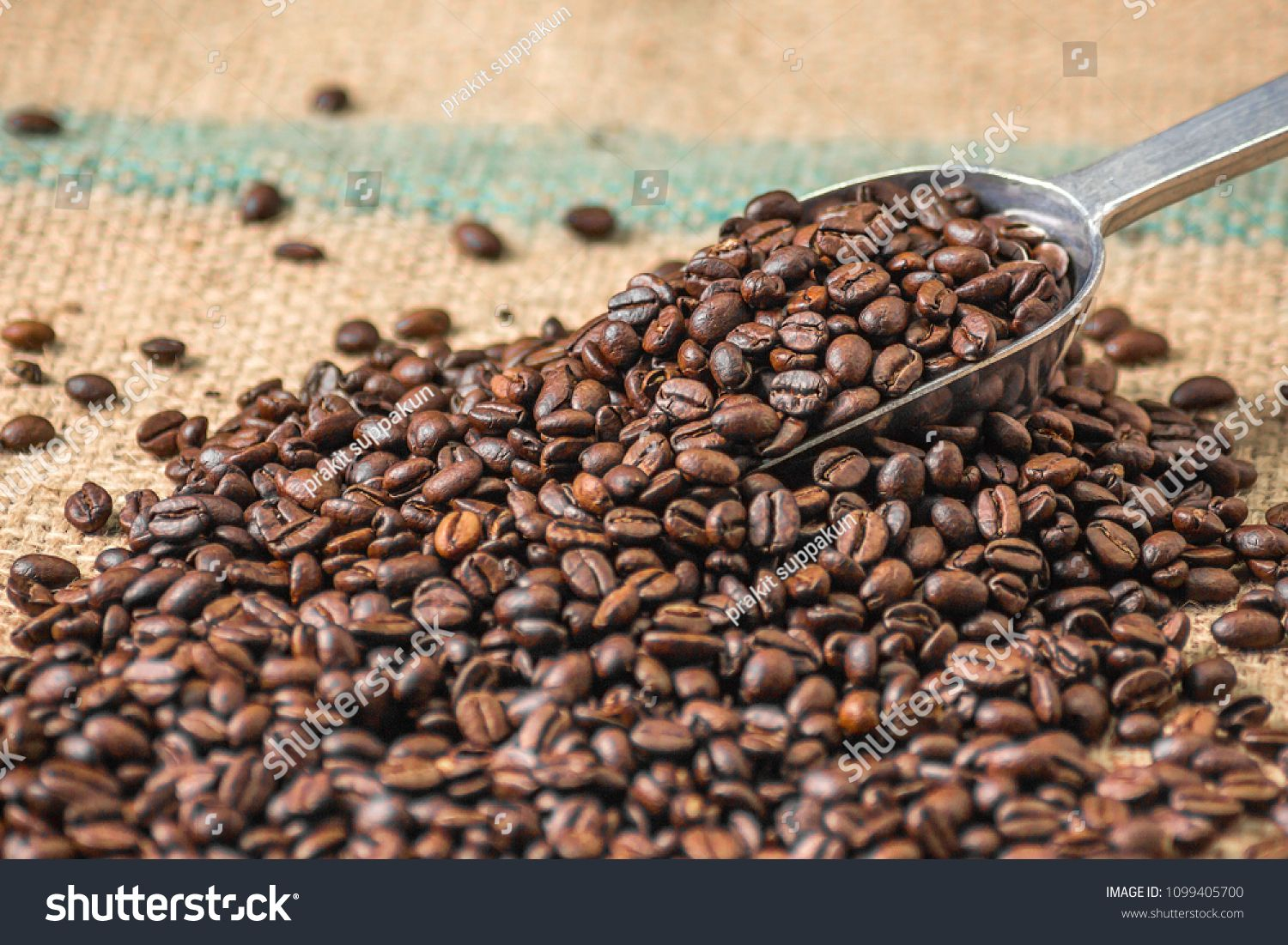 Ncoffee Beans On A Sack With A Lap Ad Paid Beans Ncoffee Lap Sack In 2020 Beans Coffee Beans Stock Photos